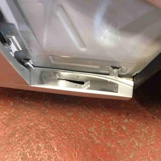 Bonnet sill alignment plate